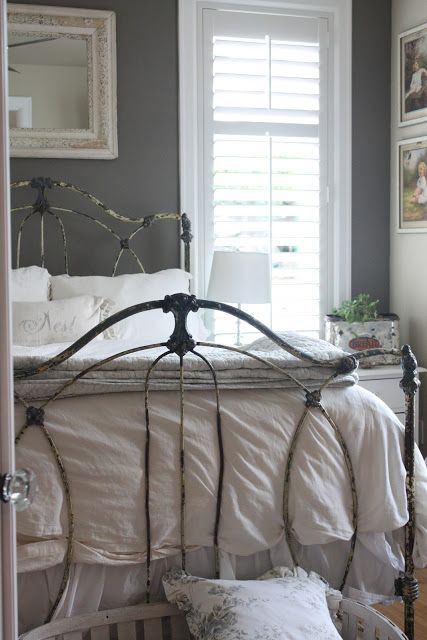 Tracie's Gorgeous Grey Bedroom Makeover <3