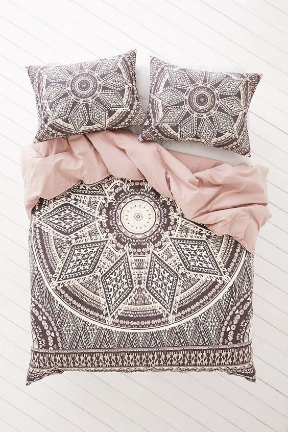 magical thinking 'petra geo medallion' duvet cover- I want this so badly !