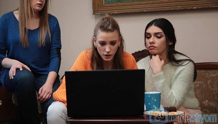 Star TV yayınlanan Medcezir dizisinde  Mira Beylice  karakterini canlandıran Serenay Sarikaya'nın, 67. bölümünde giydiği Örgü turuncu kazak