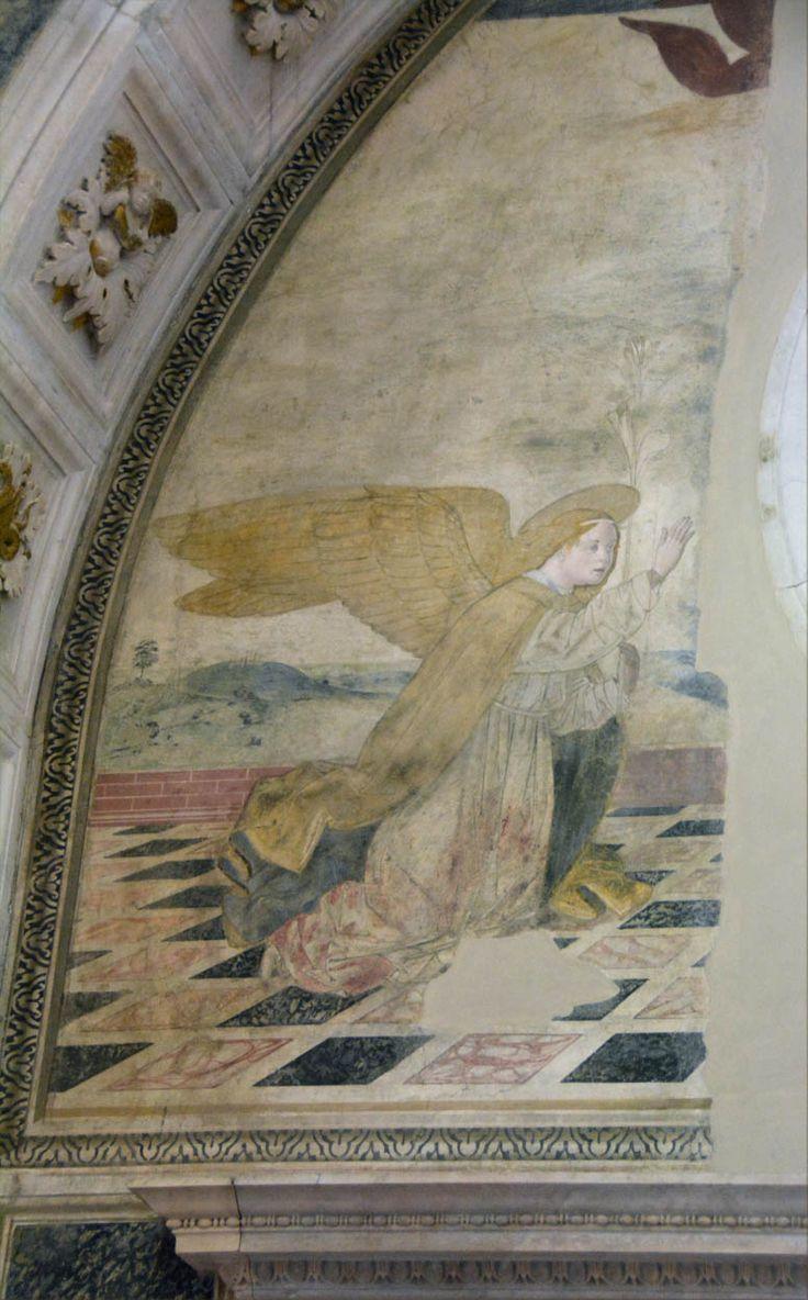Церковь святой Анны (Chiesa di Sant'Anna dei Lombardi), капелла Пикколомини. Неаполь: uchitelj