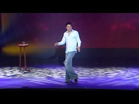 omg hahahaha he is so funny ;) Danny Bhoy at the Sydney Opera House in 2007