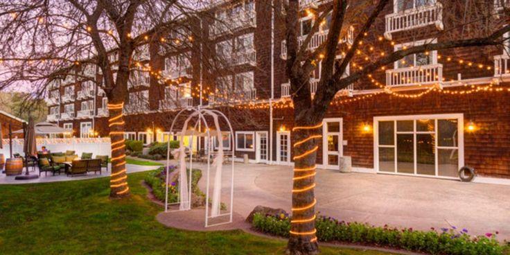 Lake Natoma Inn Weddings | Get Prices for Sacramento Wedding Venues in Folsom, CA