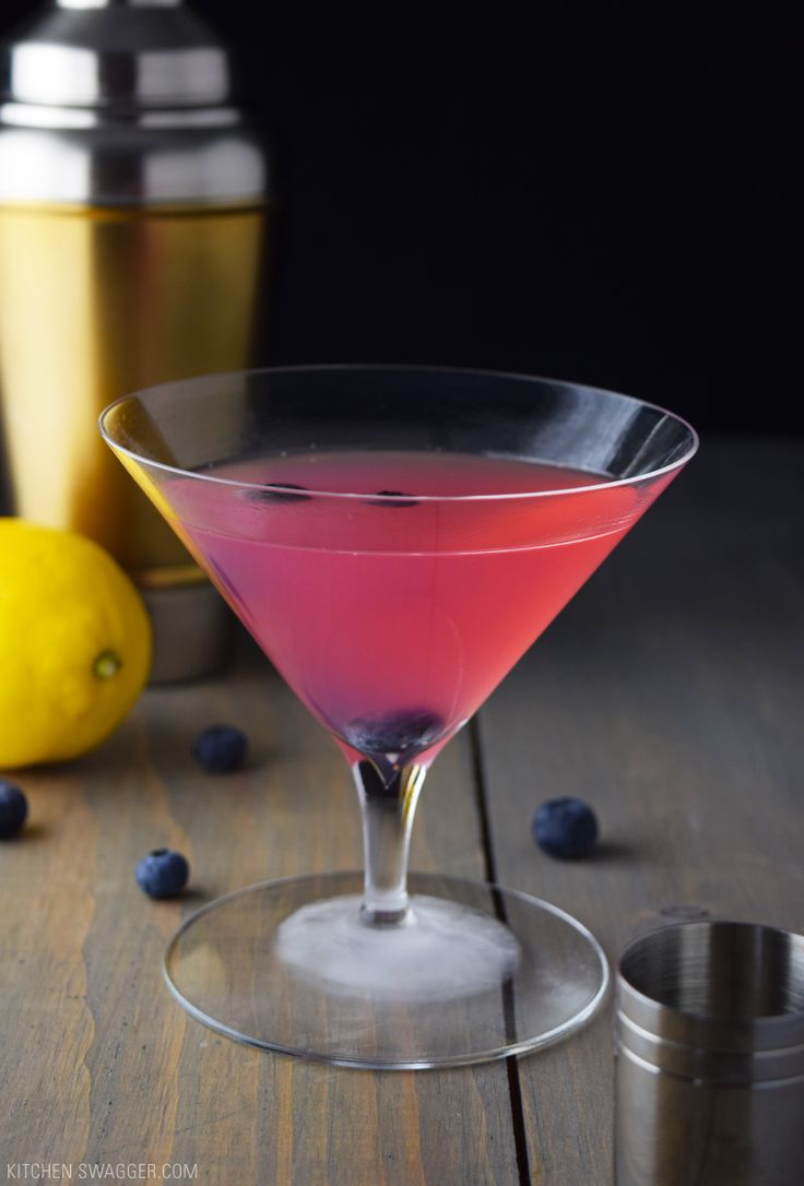 A smooth take on a cosmopolitan, with blueberry vodka, cranberry juice, triple sec, and lemon juice. A refreshing but not overpowering blueberry taste.