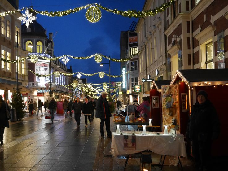 Celebrate Christmas in Kristiansand in Southern Norway, the whole city is decorated and you will find Christmas trees outside every shop.   Photo: Elisabeth Høibo©Visit Sørlandet