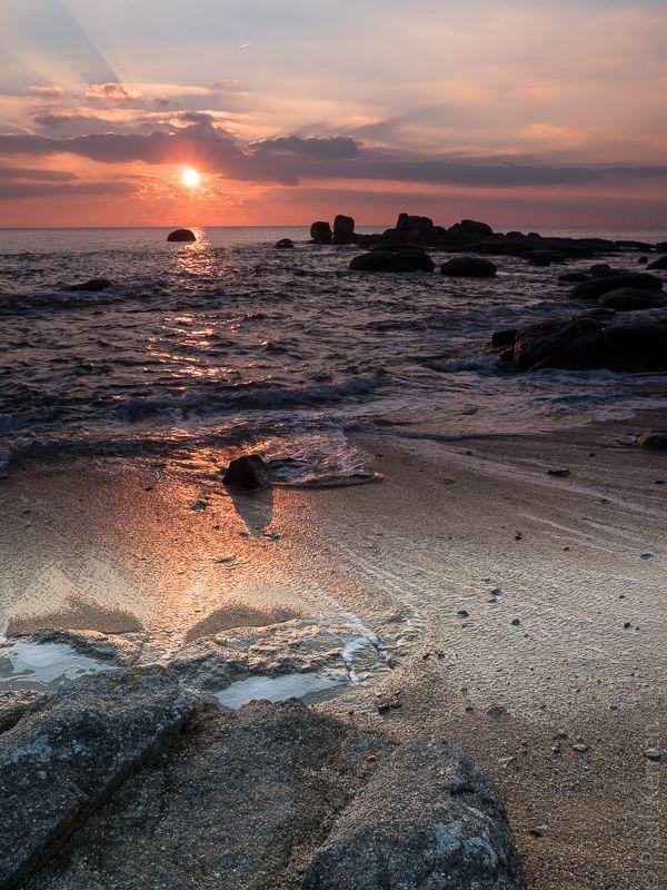 photo en Finist�re, Bretagne et...: mar�e haute, gros co�f. et soleil couchant � Tr�gunc (6 photos)