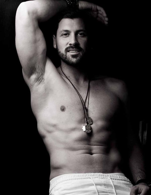 Maks Chmerkovskiy DWTS pro dancer--I love watching Dancing with the Stars and Maksim Chmerkovskiy is my favorite pro. Thanks @╭⊰✿ Rachel V. for the pin!!