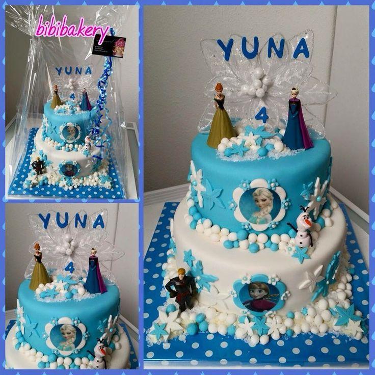 Geweldige taart van Frozen voor ons dochtertje haar 4de verjaardag...