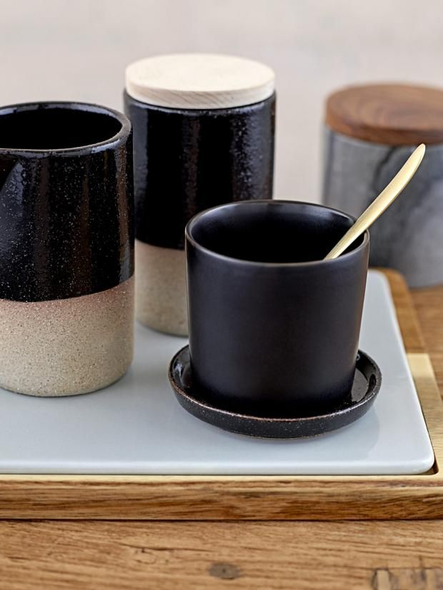 ber ideen zu keramik geschirr auf pinterest geschirr steingut geschirr und muscheln. Black Bedroom Furniture Sets. Home Design Ideas