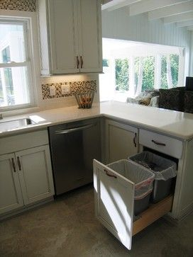 Longboat Key Cottage - beach style - kitchen - tampa - Duncan's Creative Kitchens