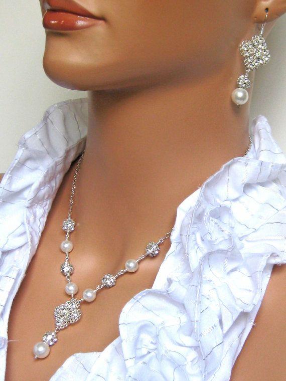 Rhinestone Bridal Necklace. Wedding Necklace. by AuroraJewelryBox, $66.00