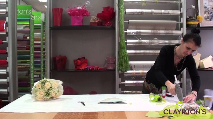 Emballage kraft, carré romantique #bouquet #wrappingpaper #kraft #clayrtons