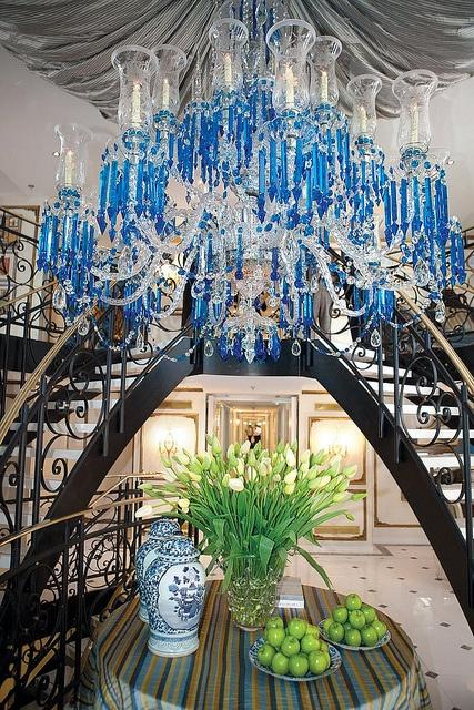 The unique chandelier on SS Antoinette - Uniworld cruises