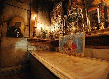 Santo Sepulcro. En el año 326, Helena, la madre del emperador romano Constantino, decidió que esta tumba era la última morada de Jesucristo tras identificarla durante unas excavaciones.