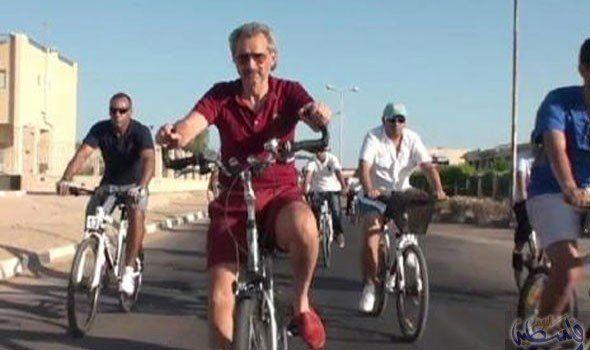 الأمير الوليد بن طلال يجوب بدراجته شوارع الرياض Stationary Bike Bike Bicycle
