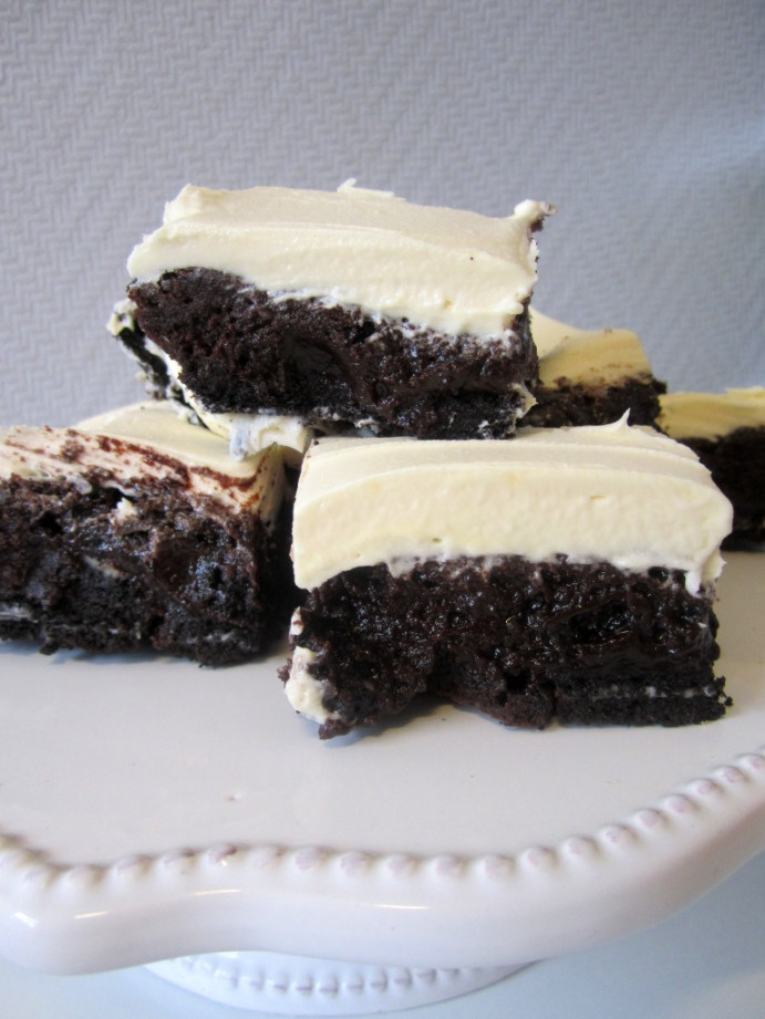Fudgy Oreo Brownies!