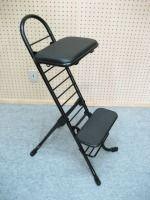 ギター椅子 : 「折りたたみ・分離式」でコンパクトに収納することができます。座面と足台の高さ調整が自在(重量:8.6kg) : ギター弾き語り用椅子 Ultra(ウルトラ)フラットベースセット【楽器PLAZA】・・・K&M/14047 より高値ッて!?