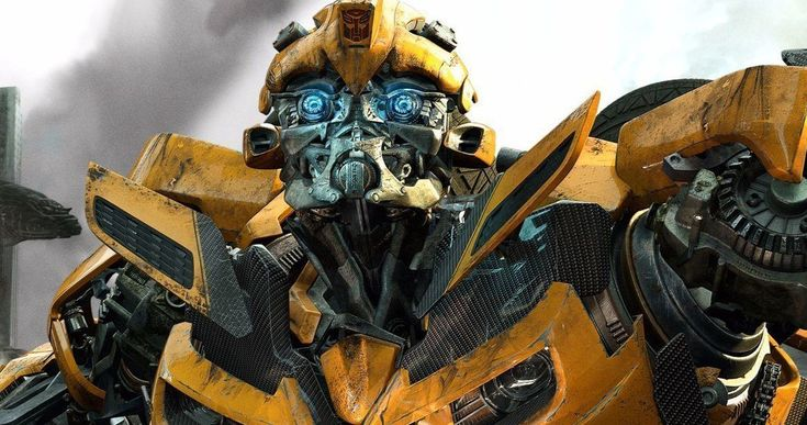 How Bumblebee Spinoff Is Different from Michael Bay's Transformers Movies -- Travis Knight is aiming to make Bumblebee standout from the rest of the Transformers franchise. -- http://movieweb.com/bumblebee-spinoff-different-from-transformers-movies/