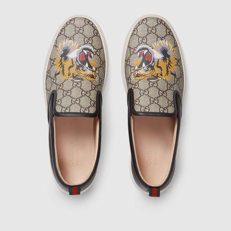 Gucci GG Supreme tiger slip-on sneaker Detail 3