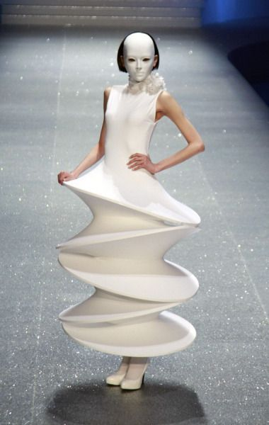 3D Cosmic Rings Dress - space-age, sculptural fashion // Pierre Cardin