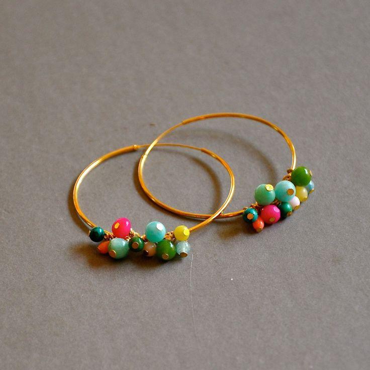 """Boucles créoles dorées """"Alix"""" pierres semi précieuses multicolores : Boucles d'oreille par kanakeis"""