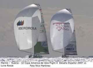 Salvate Luna Rossa dall'abbandono ! l'articolo riprende le rivelazioni e le foto che vedono due storiche barche di coppa america abbandonate al proprio destino. Una al porto di Valencia e Desafio, semifinalista e sogno della spagna che