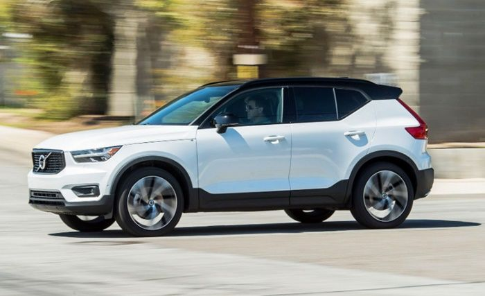 2020 Volvo Xc40 Review Canada