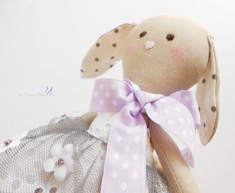 Panni textilnyuszi - nyúl - öltöztethető len játékfigura - csipkés  pöttyös virágos (valoczi) - Meska.hu