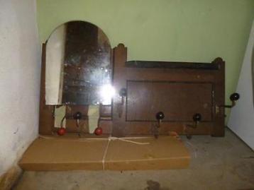 Oude kapstok zonder spiegel met 6 dubbele haken.(Spiegel is helaas gebroken)