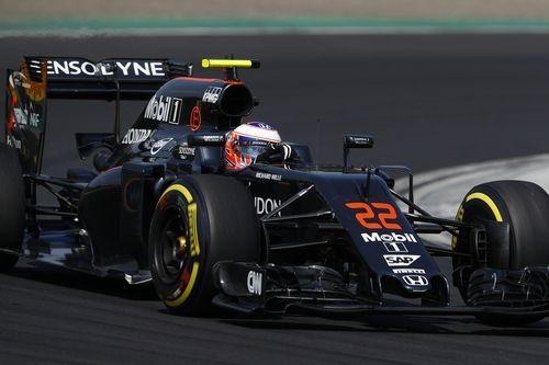 Button Kritik Aturan Penggunaan Radio di Formula 1