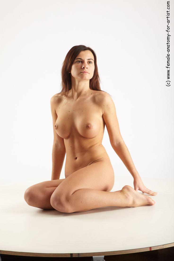 women who pose nude