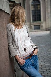 jeans and casual top, comfy!
