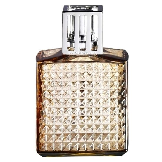 Inspired by the Art Deco style, Lampe Berger's new Diamant Amber lamp is now available from Consiglio's!