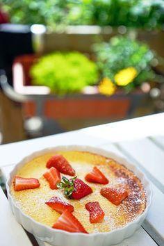 Erdbeeren auf gebackener Quark-Schaum-Creme