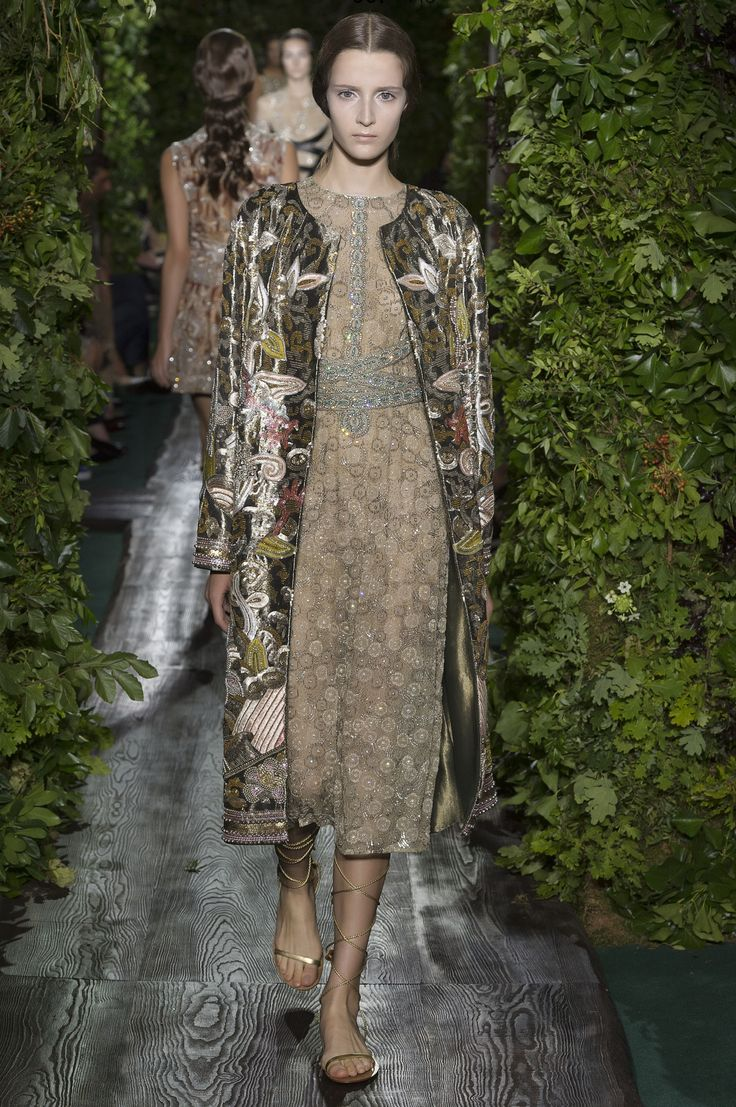 61 best Haute Couture Fall/Winter 2014 images on Pinterest ...