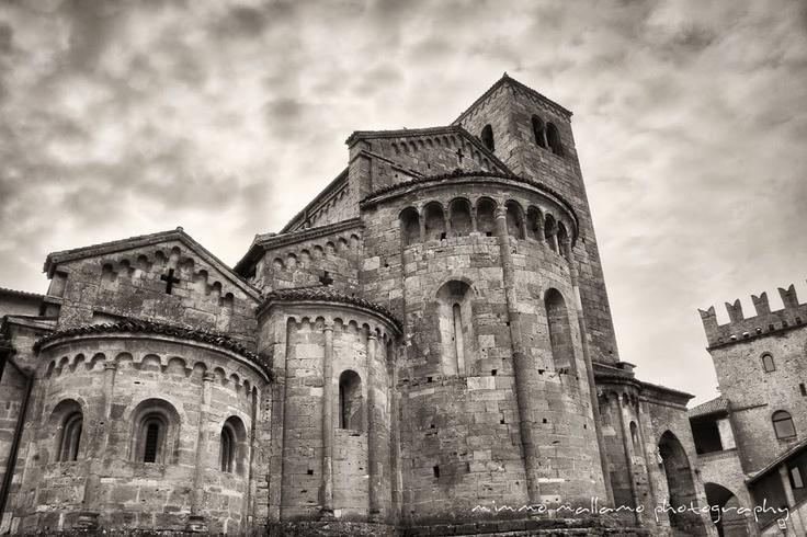ISO400 photography by Mimmo Mallamo: Castell'Arquato, Emilia-Romagna, ITALY