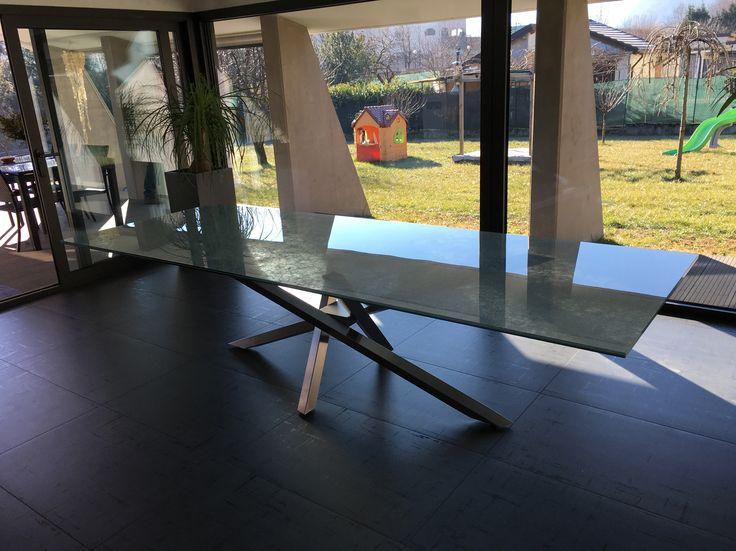 Piano tavolo in vetro stratificato con tessuto interno
