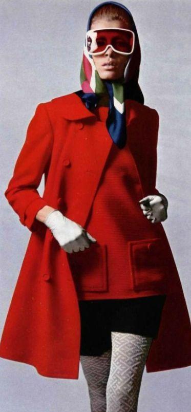 Yves Saint Laurent, 1967 #YSL #LMV #mode #vintage http://www.la-mode-vintage.com/