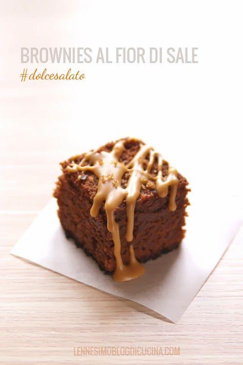 Brownies al cioccolato con glassa di burro d'arachidi e fior di sale (chocolate brownies, with peanut butter topping and flower of salt) © lennesimoblog
