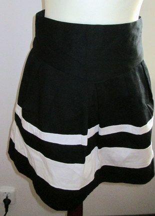 Kup mój przedmiot na #vintedpl http://www.vinted.pl/damska-odziez/spodnice/8658522-rozkloszowana-spodnica-atmosphere-z-wysoka-talia
