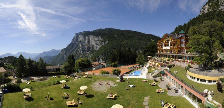 Die wunderschöne #Liegewiese des Hotels Panorama. Mehr Informationen unter: http://www.selectedhotels.com/de/hotel/alp-wellness-sport-hotel-panorama