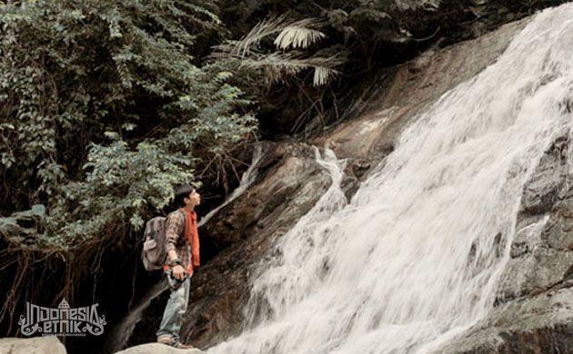 Salah satu air terjun Tana Toraja