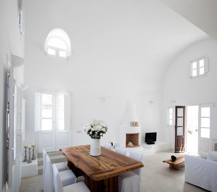 he Aenaon Villas In Santorini, Greece
