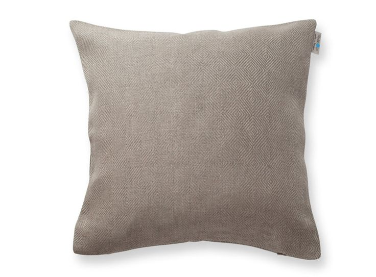 Pillowcase Rutig Strandråg, pure linen. Made in Sweden. 50x50 cm. Available at www.vaxbolin.se