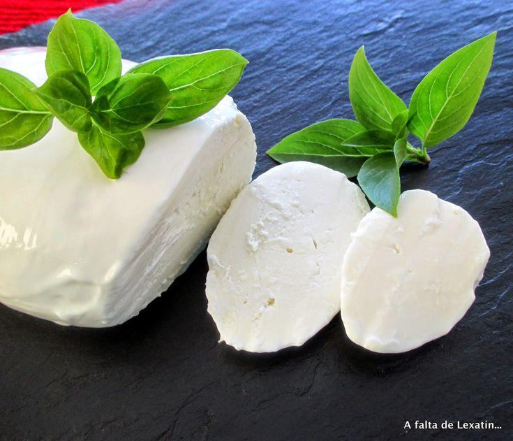 A falta de Lexatín... buenas son tortas: Mozzarella casera en microondas