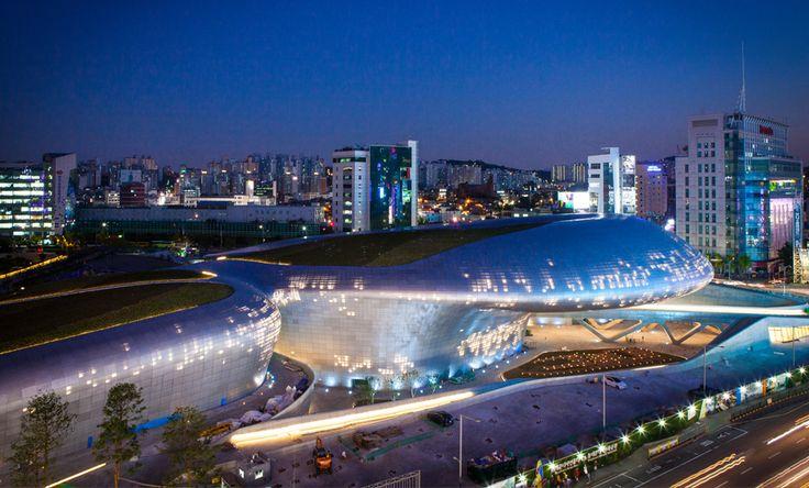 DDP (Dongdaemun design plaza), Open : 21. Mar. 2014, Architect : Zaha hadid