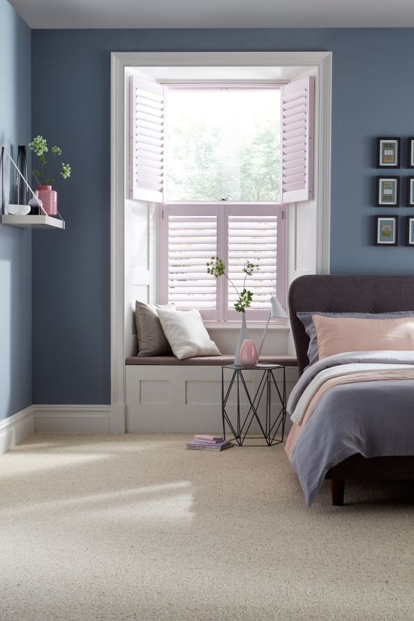 Create a beautiful sophisticated theme by mixing muted blues and pastel pinks an corals. Add varying shades and textures to add depth to the decor. Our @house_beautiful Shutters range are a perfect addition to the theme. The collection takes its inspiration from the shifting skyscape, with ten exclusive colours in soft pastel shades.