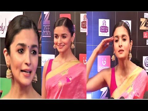 WATCH Alia Bhatt @ Zee Cine Awards 2017 | Red Carpet.  Click here to see the full video > https://youtu.be/p9uy6xS5Zuk  #aliabhatt #zeecineawards2017 #bollywood #bollywoodnews #bollywoodnewsvilla