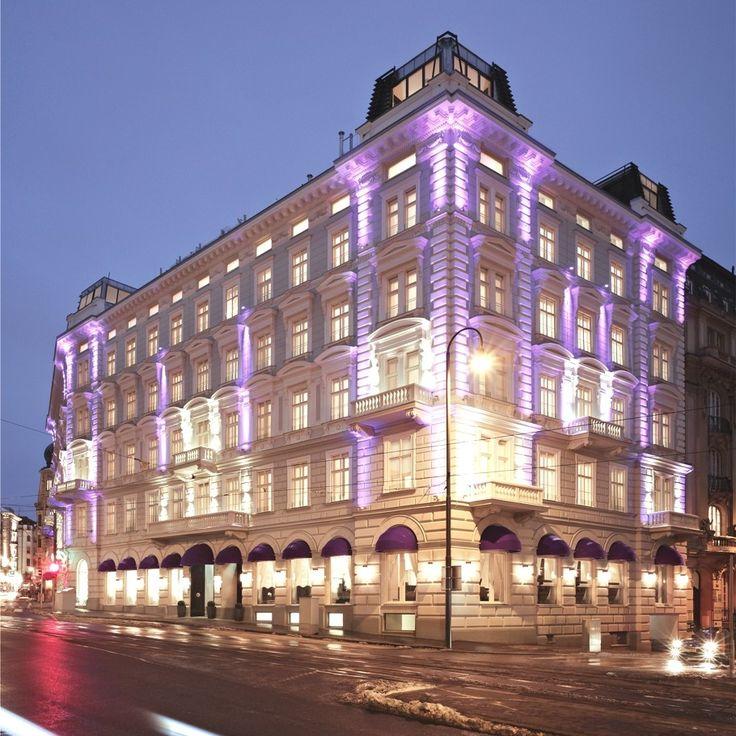 Sans Souci boutique hotel combines art, design, cool savoir vivre and unobtrusive luxury - http://www.adelto.co.uk/sans-souci-boutique-hotel-combines-art-design-cool-savoir-vivre-and-unobtrusive-luxury