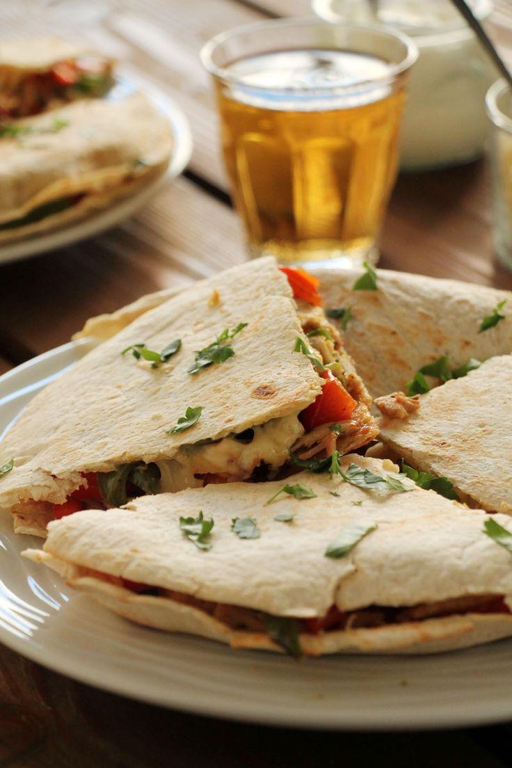The one with all the tastes | Quesadillas με κοτόπουλο και πιπεριές
