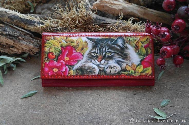 Купить Портмоне женский с рисунком котик натуральная кожа авторская работа в интернет магазине на Ярмарке Мастеров